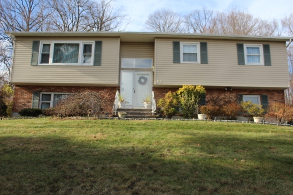 10 Medford Place, Nanuet NY 10954, Rockland County Mother Daughter Home for sale