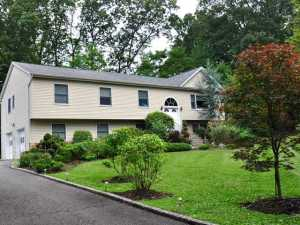 Rockland County Mother Daughter homes in Suffern NY
