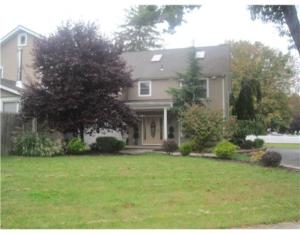 Nanuet Mother Daughter home in Rockland County NY real estate market