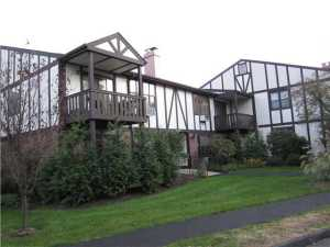 One level Rockland County condo, Valley Cottage NY real estate