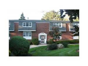 One level Rockland County condos bon aire, Suffern NY real estate